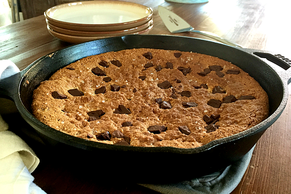 Paleo Chocolate Chip Pizookie | Crispy on the outside and soft and chewy in the middle, this paleo skillet cookie is amazing!