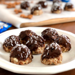 Almond Joy Energy Bites | Almonds, dates, coconut and dark chocolate come together in this easy, healthy snack that tastes like a candy bar!