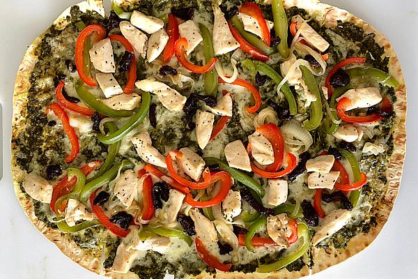 Chicken Pesto Flatbread Pizza
